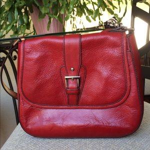 Etienne Aigner 100% leather crossbody bag 🍁